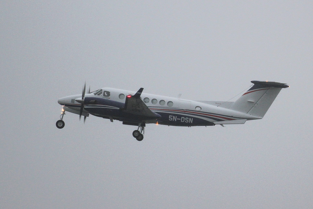 Beech 350i King Air, 5N-DSN<br /> By Clive Featherstone.