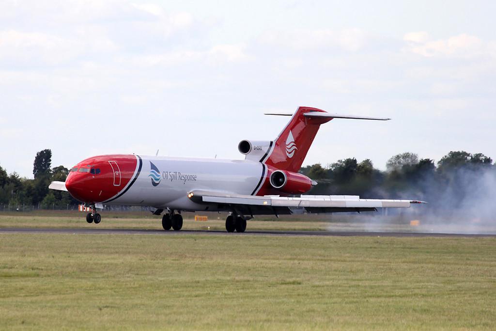 T2 Aviation 727-200 G-OSRB <br /> By Graham Vlacho.