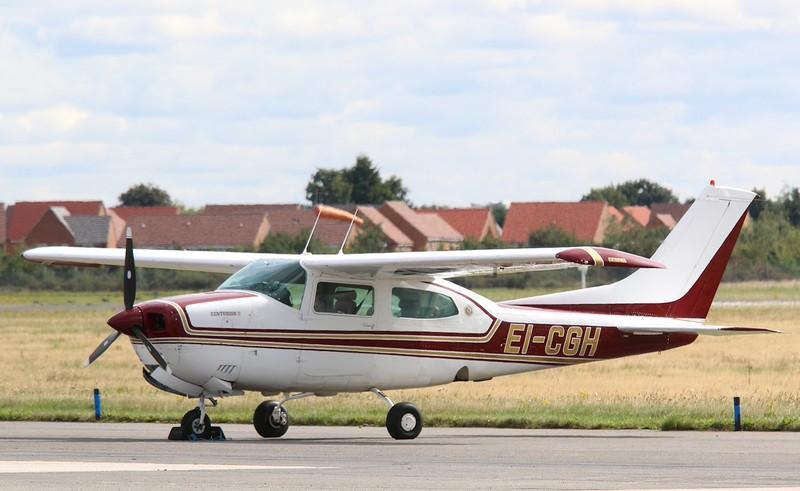 Cessna 210N Centurion II,  EI-CGH<br /> By Correne Calow.