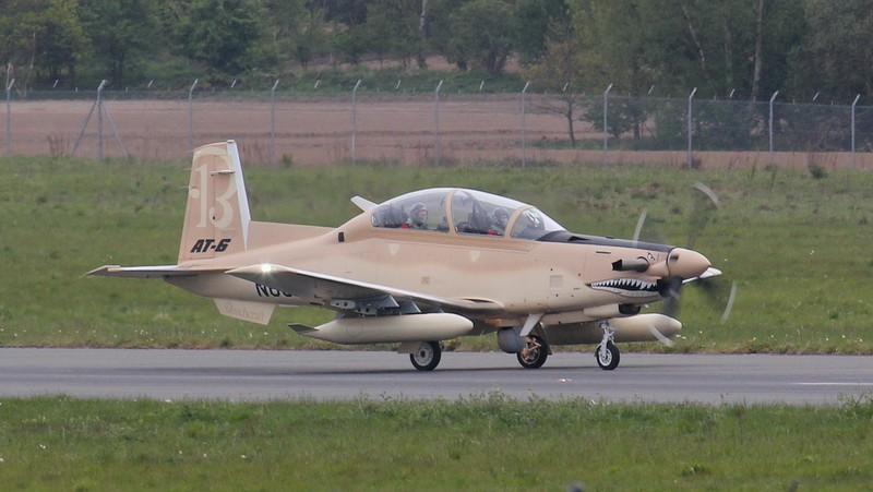 Beechcraft Corp, AT-6C Texan II N630LA.<br /> By Jim Calow.