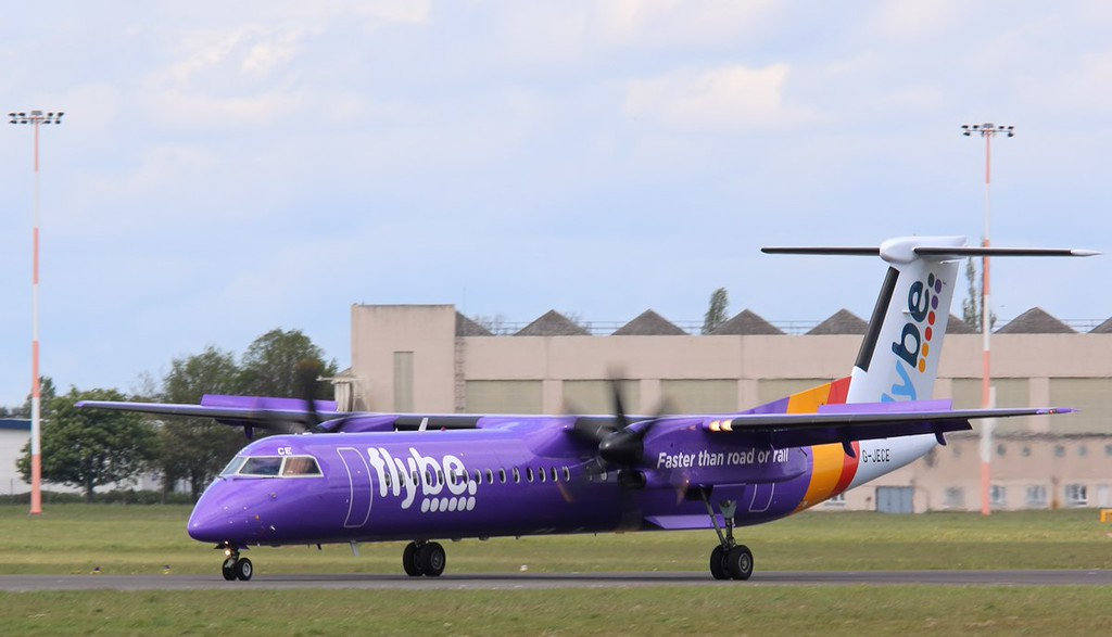 "Flybe DHC-8-400, G-JECE made a ""full stop"" landing before returning to BHX.<br /> By Correne Calow."