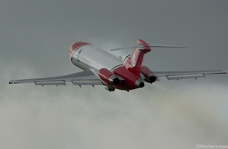 T2 Aviation 727-200, G-OSRB.<br /> By Kevin Barwell.