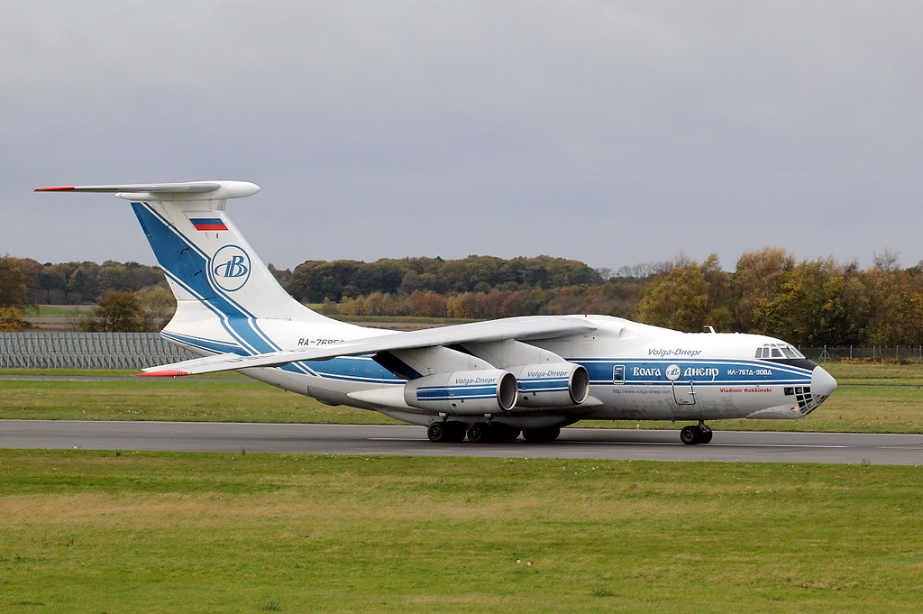 Volga-Dnepr Ilyushin Il-76TD RA-76050.<br /> By Clive Featherstone.