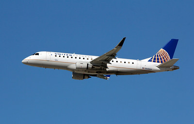 N145SY UNITED EXPRESS ERJ-175