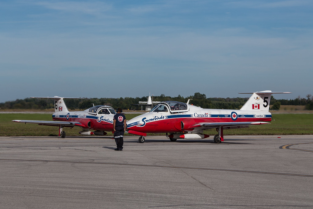 RCAF 431 (AD)Sqn -- The Snowbirds