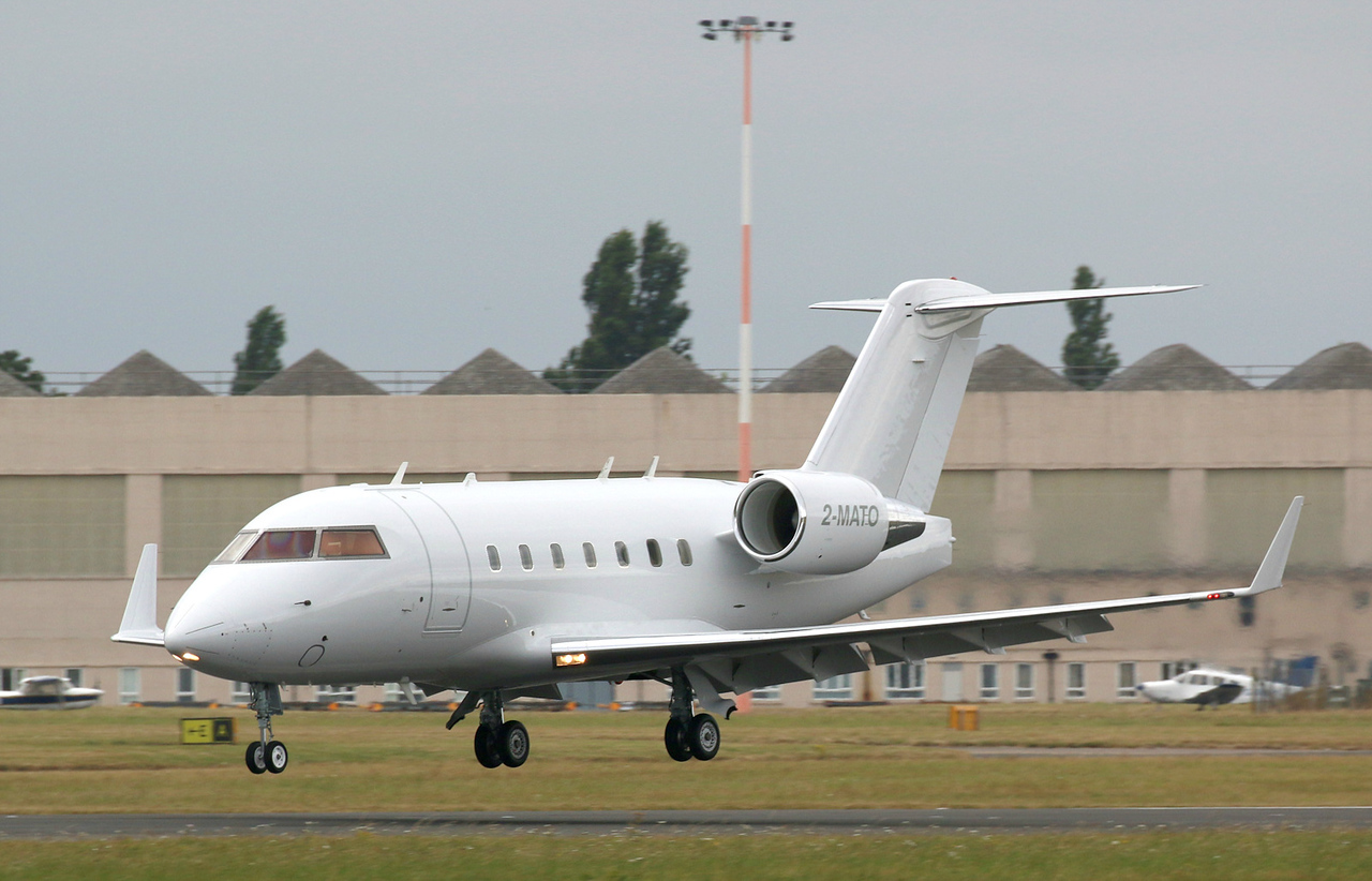 Volare Aviation, CL-600-2B16 Challenger 601-3A, 2-MATO<br /> By Correne Calow.