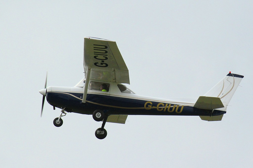 DSFT Ltd, Cessna 152 G-CIUU.<br /> By Clive Featherstone.