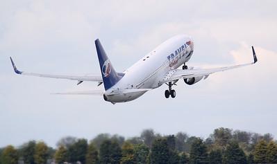 Travel Service, 737-800, OK-TVM By Jim Calow.