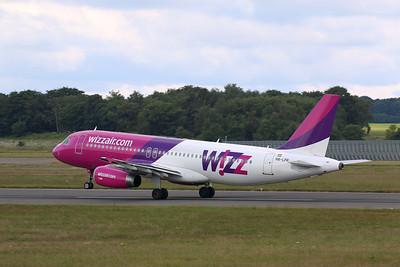 Wizz Air, A320, HA-LPR By Correne Calow.