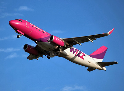 Wizz Air, A320, HA-LYD By Graham Miller.