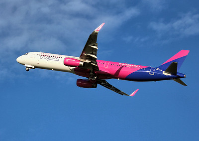 Wizz Air, A321, HA-LXE By Graham Miller.