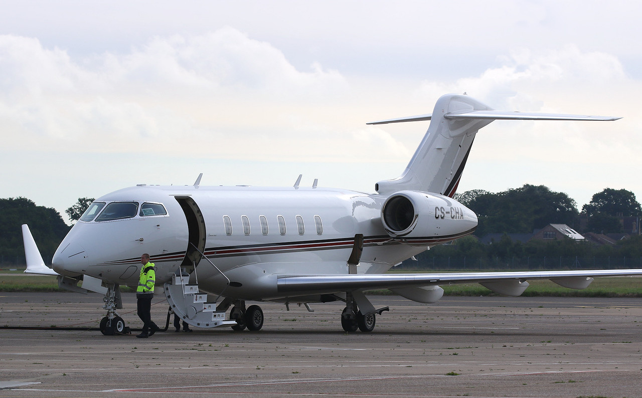 Netjets BD-100-1A10 Challenger 300 CS-CHA.<br /> By Correne Calow.