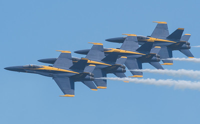 Blue Angels - Echelon Parade at 400 mph