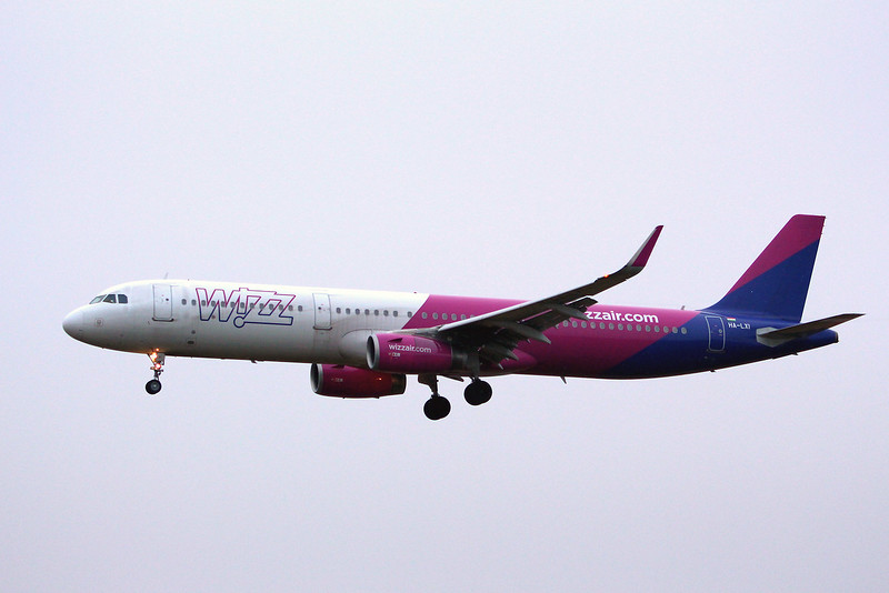 Wizz Air, A321, HA-LXI; a weather diversion from Bucharest to Luton<br /> By Graham Miller.