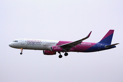 Wizz Air, A321, HA-LXI; a weather diversion from Bucharest to Luton By Graham Miller.