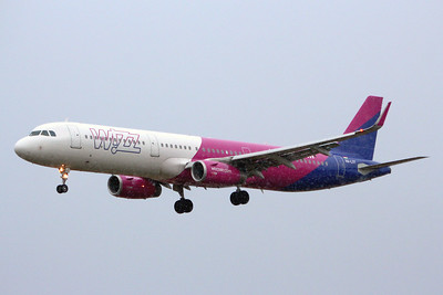 Wizz Air, A321, HA-LXT; a weather diversion from Budapest to Luton By Graham Miller.