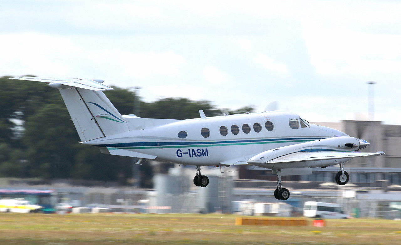 2Excel Aviation,  Beech 200 Super King Air, G-IASM<br /> By Correne Calow.