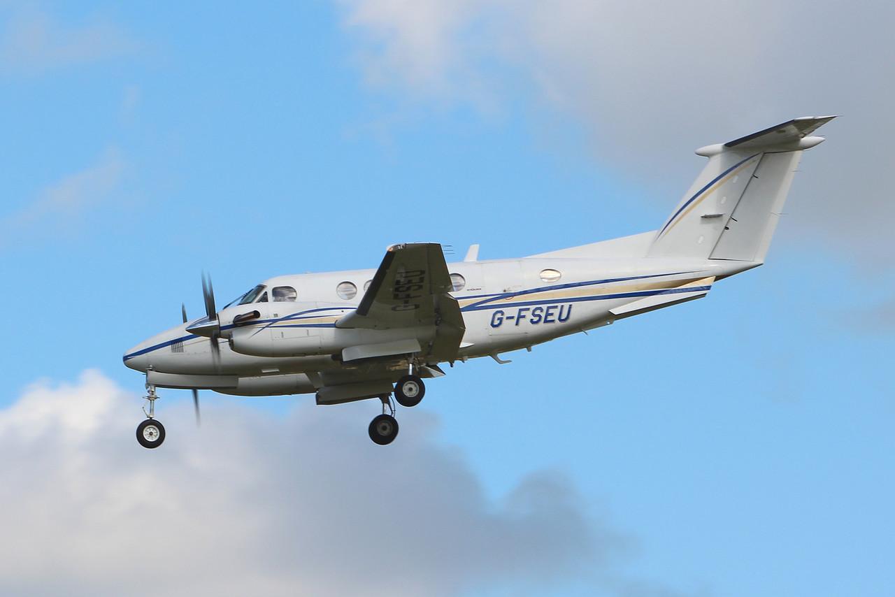 2Excel, Beech 200 Super King Air, G-FSEU<br /> By Graham Miller.
