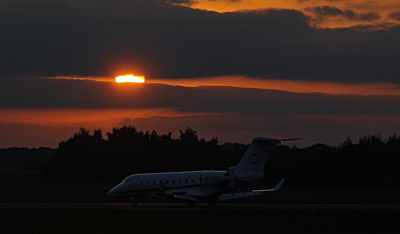 INEOS Aviation, Gulfstream G280, M-ISTY<br /> By Jim Calow.