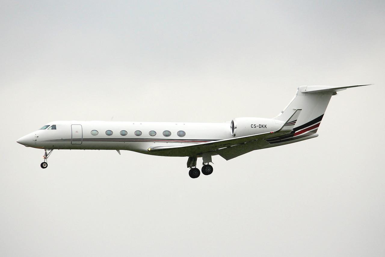 Netjets, Gulfstream G550, CS-DKK arriving from Faro.<br /> By Graham Miller.