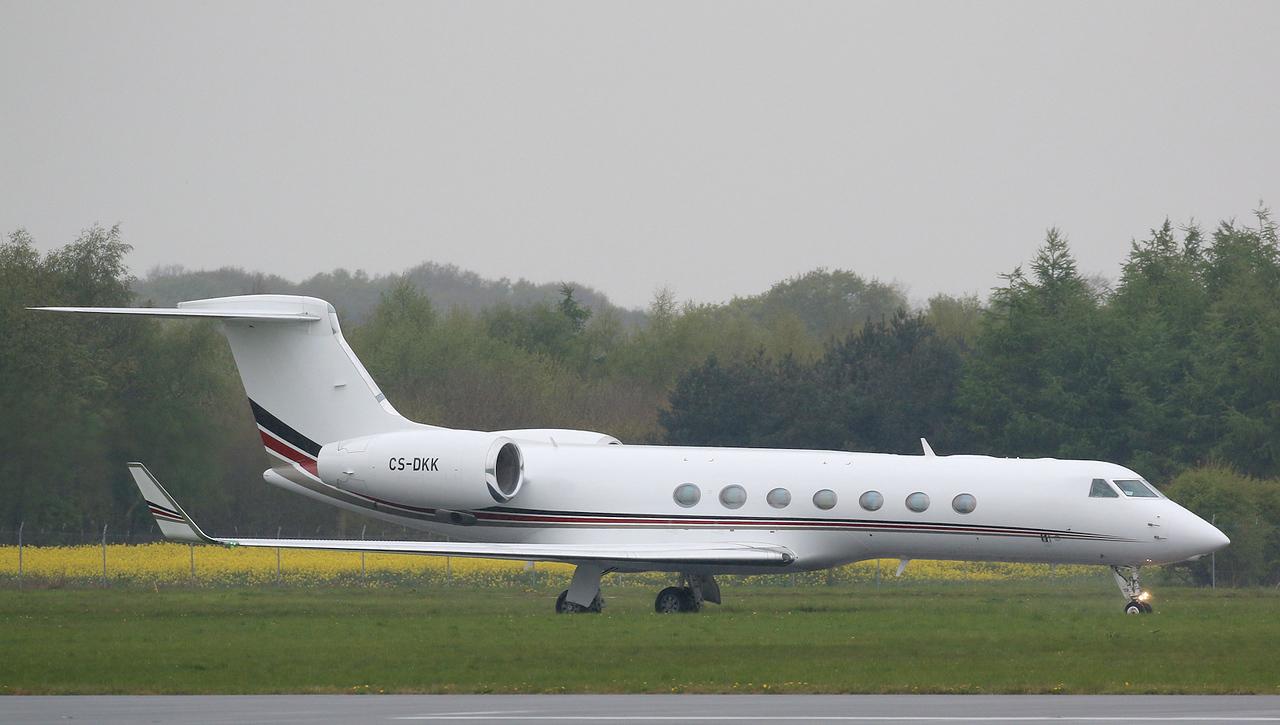 Netjets, Gulfstream G550, CS-DKK<br /> By Correne Calow.