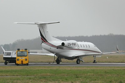 NetJets Europe Embraer EMB-505 Phenom 300, CS-PHF By Clive Featherstone.