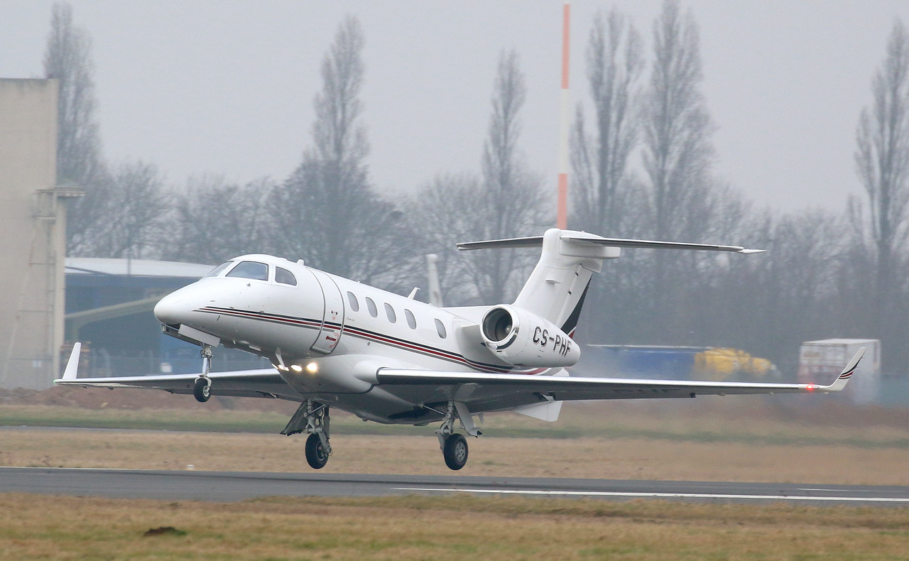 NetJets Europe Embraer EMB-505 Phenom 300, CS-PHF<br /> By Correne Calow.