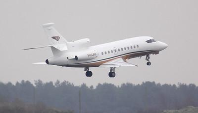 Exxaero, Dassault Falcon-900EX , PH-LAU By Jim Calow.