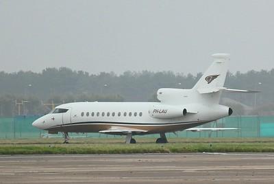 Exxaero, Dassault Falcon-900EX , PH-LAU By Clive Featherstone.