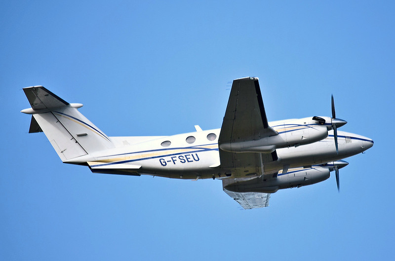 2Excel Aviation, Beech 200 Super King Air, G-FSEU<br /> By Ray Spencer.