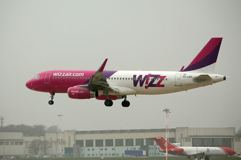 Wizz Air, A320, HA-LWS<br /> By Graham Miller.