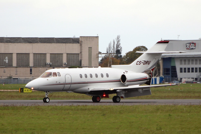 Netjets Europe, Hawker 800XPi, CS-DRU popped in from Cork.<br /> By Graham Miller.