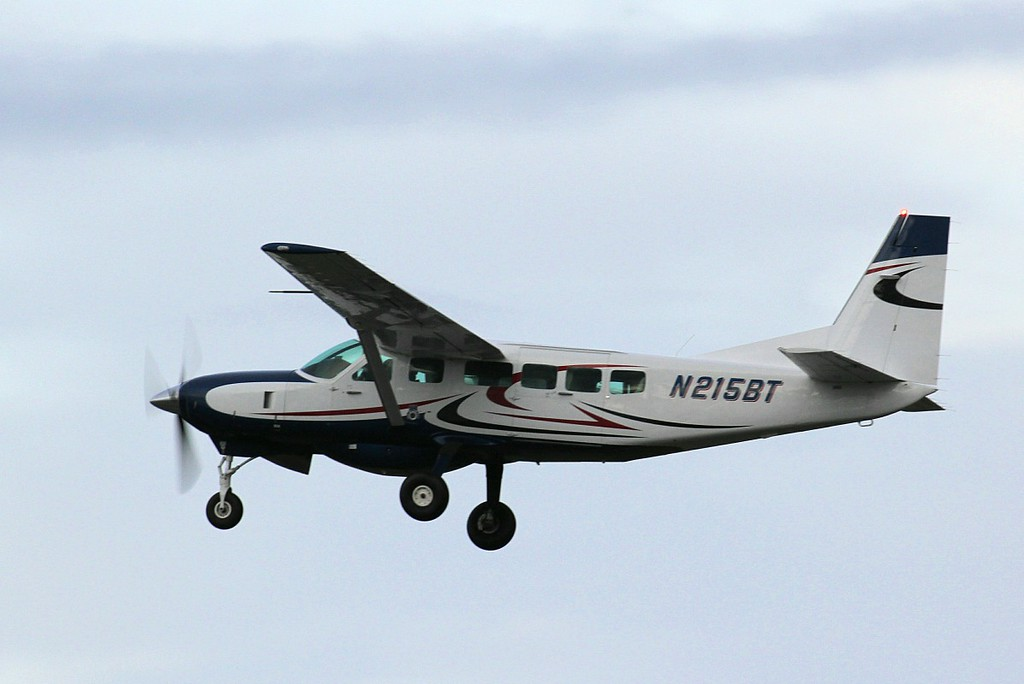 Cessna 208 Caravan, N215BT had earlier diverted in with a tech issue.<br /> By Clive Featherstone.