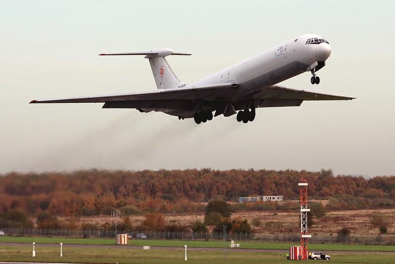 Rada Airlines Ilyushin Il-62 EW-450TR.<br /> By Graham Miller.