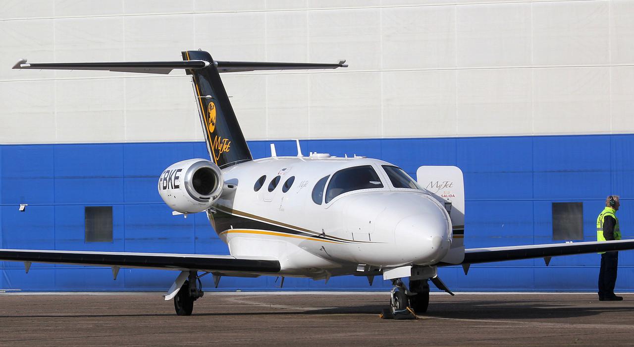 Blink Ltd, Cessna 510 Citation Mustang, G-FBKE<br /> By Jim Calow.