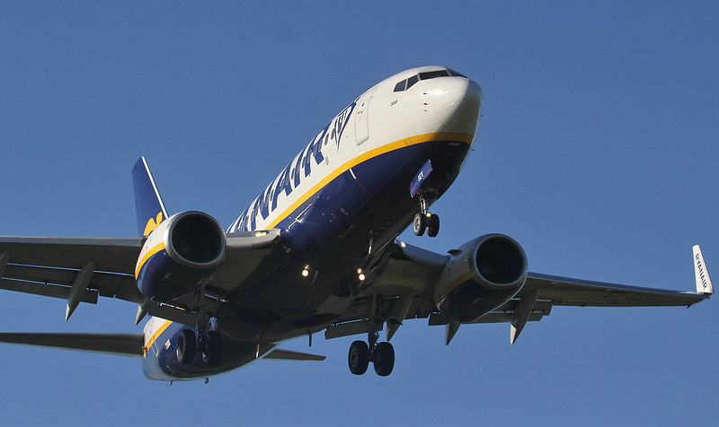 Ryanair 737-700 EI-SEV<br /> By Jim Calow.