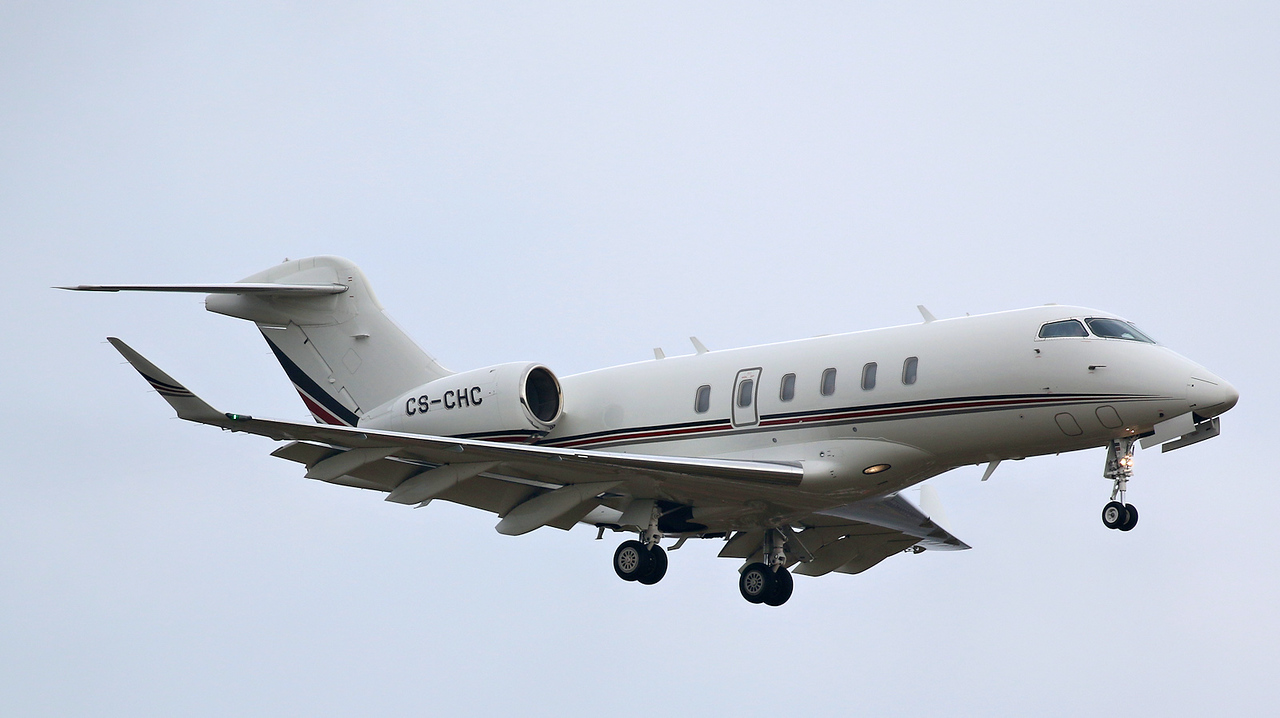 NetJets Europe Bombardier BD-100-1A10 Challenger 350 CS-CHC<br /> By Correne Calow.
