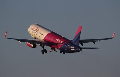 Wizz Air, A321, HA-LXJ By Jim Calow.