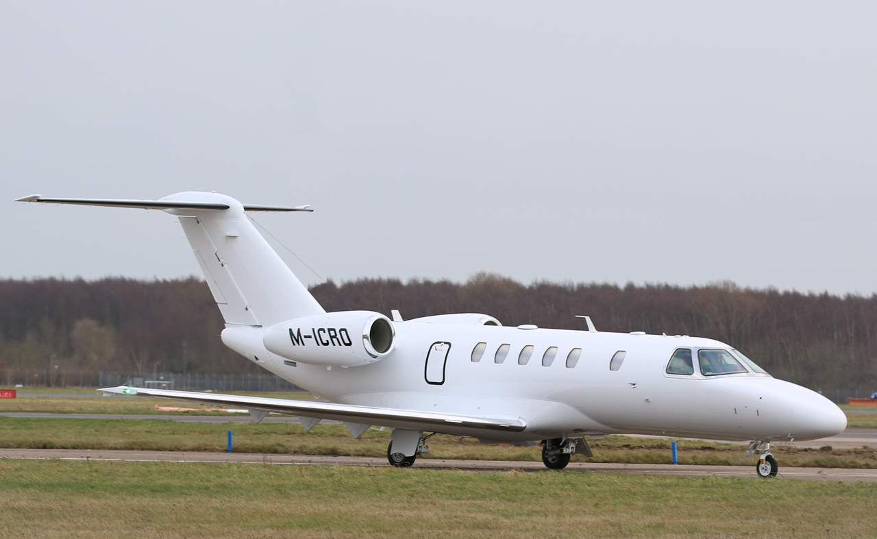 Cessna 525C Citation CJ4, M-ICRO (525C-0257) arrived from Keflavik on a delivery flight.<br /> By Correne Calow.