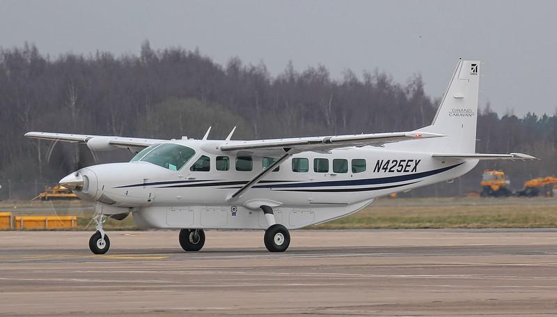 Textron, Cessna 208B Grand Caravan, N425EX<br /> By Jim Calow.