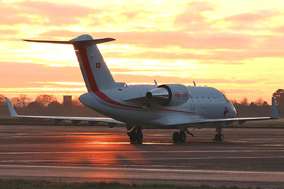 Bombardier CL-600-2B16 Challenger 650, HB-JBF before 06:30hrs By Graham Miller.