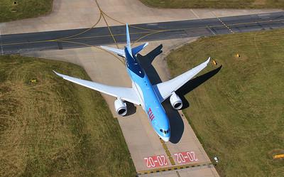 TUI Airways 787-800 G-TUII. By Jim Calow.