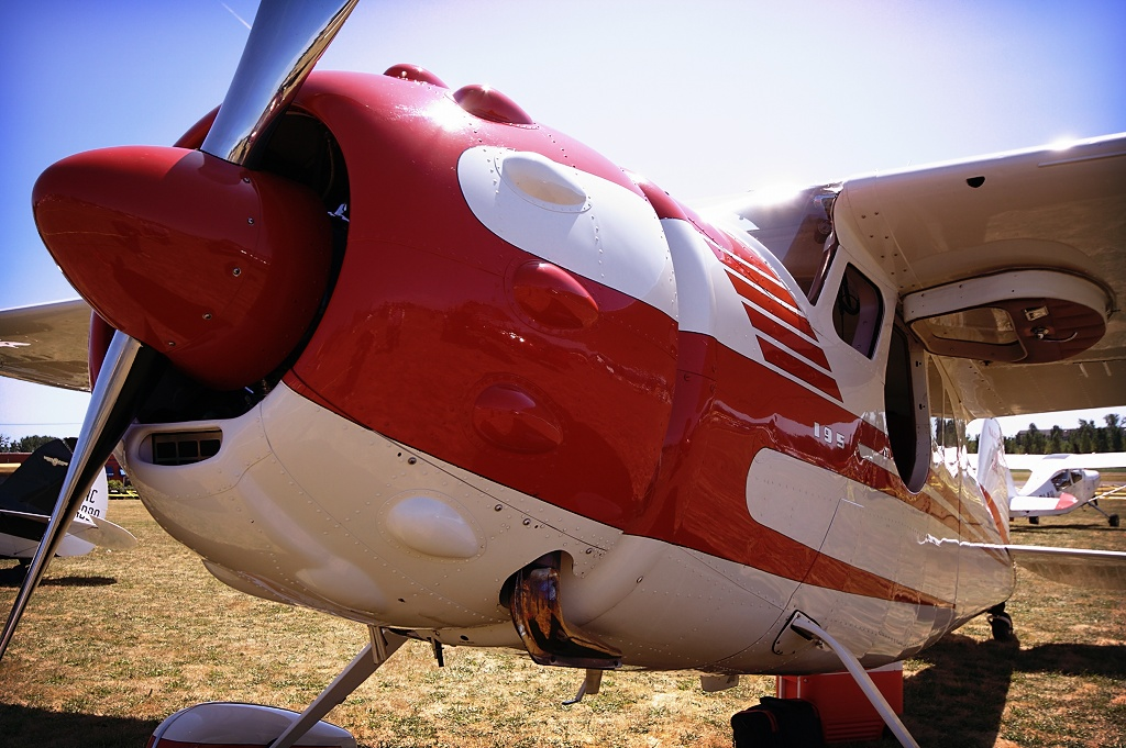 Cessna 195  N4468C (s/n 16053)