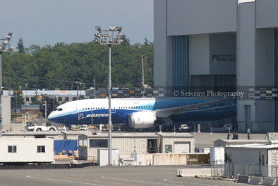 787 coming out of the paint hanger for the first time on 7/8/07.