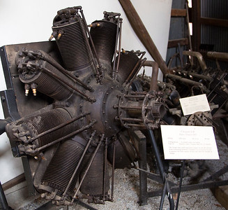 Cleret 9B rotary engine (i.e.: the engine rotates about a stationary shaft, thus cooling itself.)