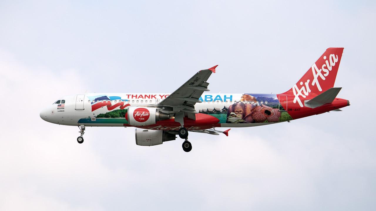 9M-AHT AIR ASIA A320