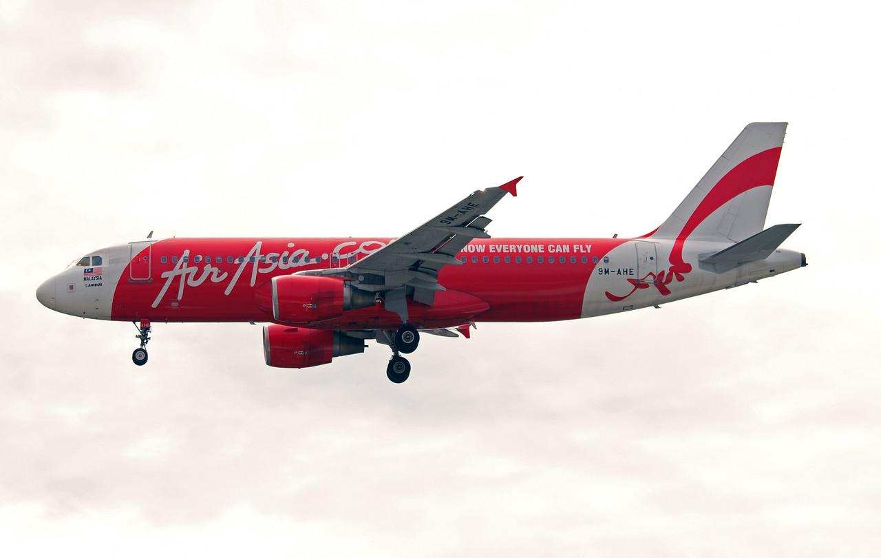 9M-AHE AIR ASIA A320