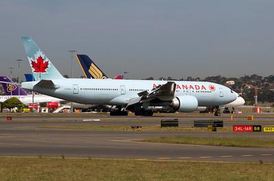 C-FIUJ AIR CANADA B777-300