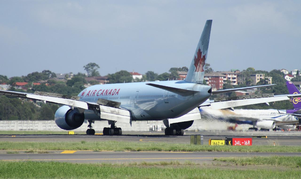 C-FNND AIR CANADA B777-200