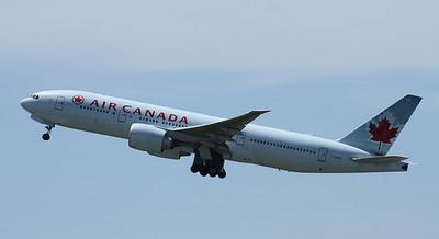 C-FNND AIR CANADA B777-300